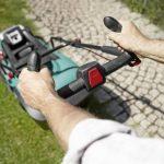 Bosch Tondeuse sans fil Rotak 43 LI avec guidon Ergoflex, diamètre de coupe 43 cm et 2 batteries 36V 4,0 Ah , technologie Syneon 06008A4507 de la marque Bosch image 2 produit